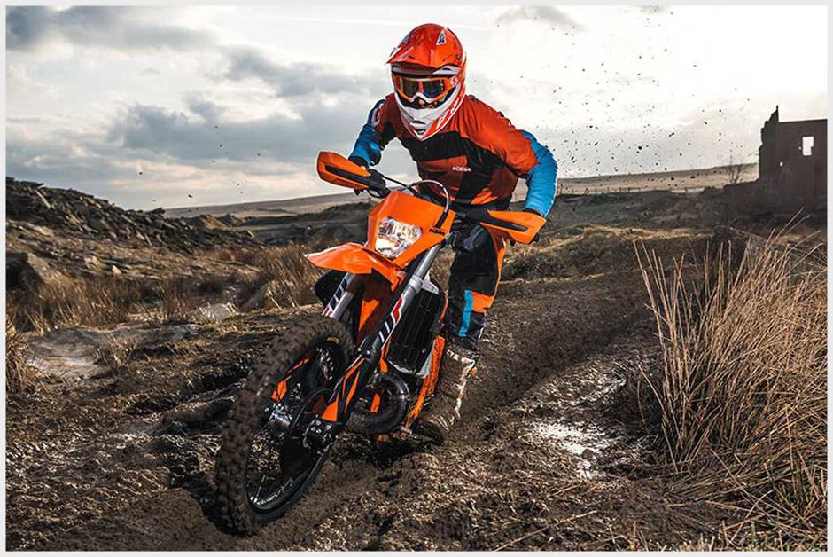 Motorbike_GreenLane-1